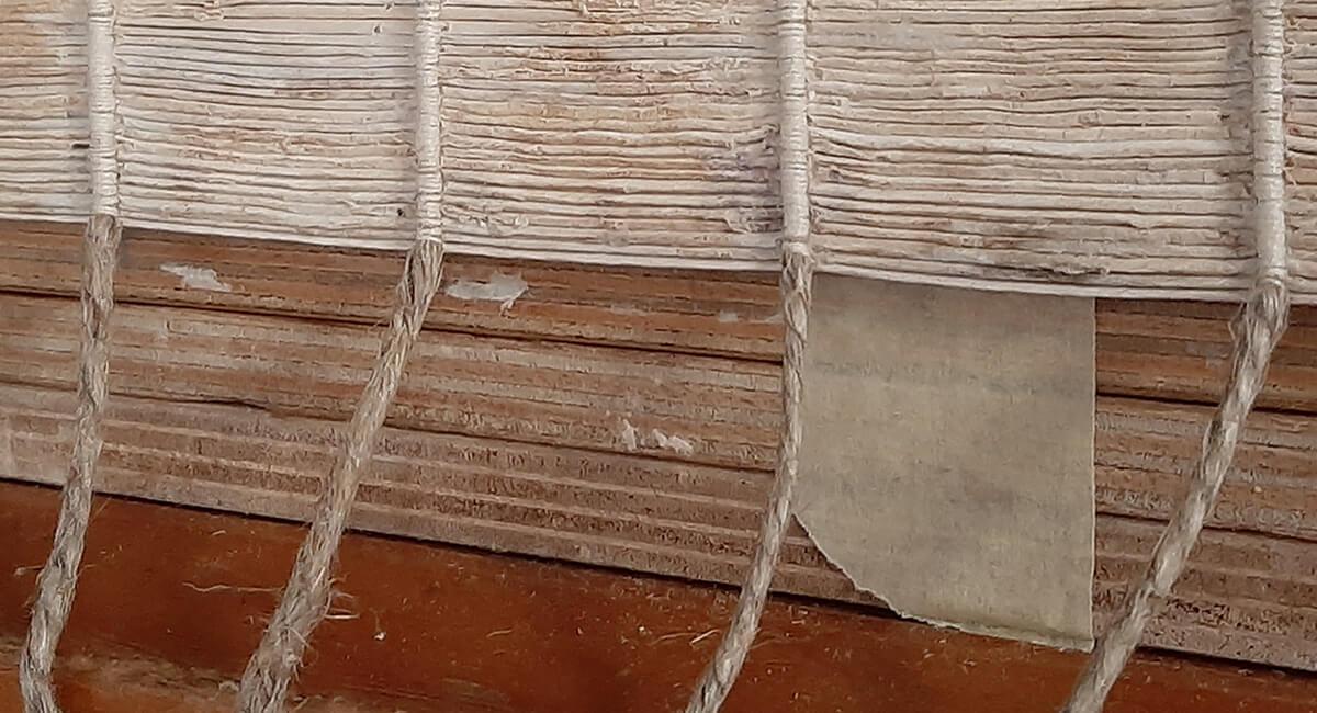 Stefania Zeppieri   Conservazione e Restauro Beni Librari, Archivistici, Opere d'Arte su carta e manufatti affini   Restauro Messale 700 - santino